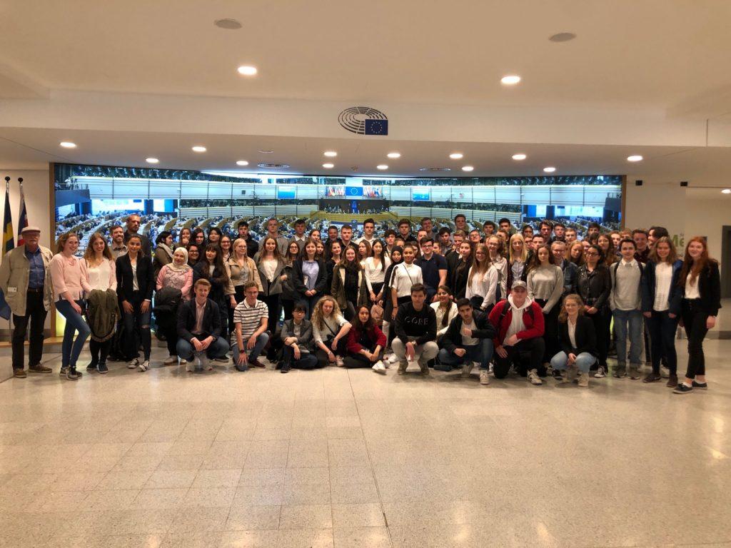 Q1-Sowi Schülerinnen und Schüler des AvH im Europäischen Parlament